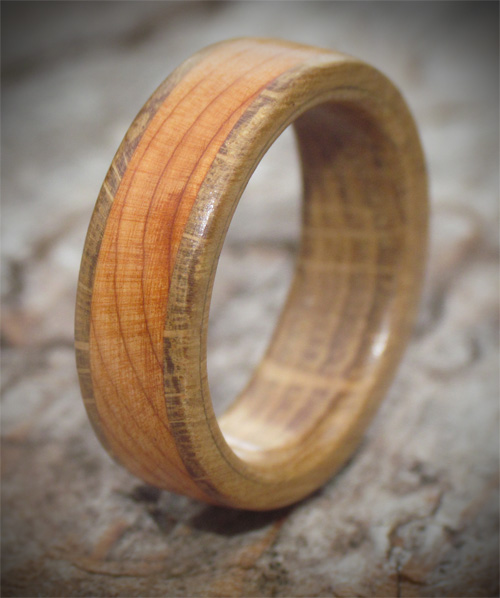 Wooden ring from yew and oak